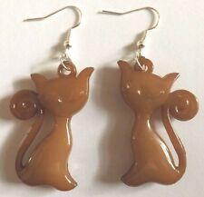 Boucles d'oreilles argentées chat marron