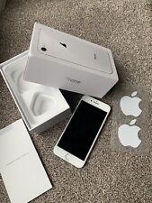 Apple iPhone 8 64 gb (Unlocked) - Silver