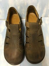 DR. MARTENS WOMENS BROWN LEATHER  US10