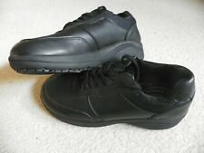 sz 9 Easy Works by Easy Street slip resistant Black Leather Women Shoes