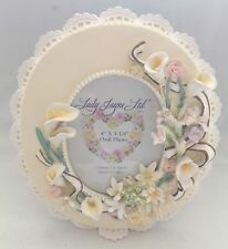 Lady Jane Oval Callalily Ceramic Frame