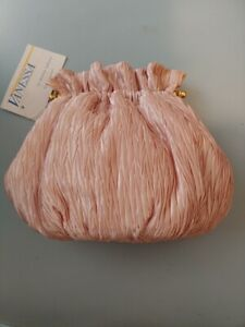 NWT pink puffy Vanessa purse with gold chain shoulder strap