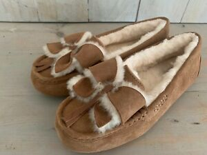 UGG ANSLEY SUEDE BOW CHESTNUT  SHEEPSKIN  SLIPPERS MOCCASINS WOMENS  US 10 new