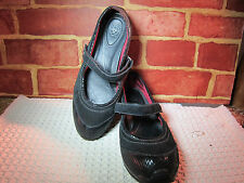 WOMEN'S ARIAT BLACK MARY JANES WITH SHINY TOES SIZE 7.5  268
