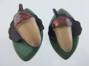 Vintage Wood With Plastic Coat Button 1.25in Set Of 2 Acorn Leaf Pattern 748C