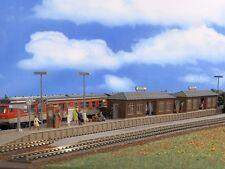 Vollmer 43550 - H0 Bausatz Bahnsteig Wiesental mit zwei Wartehallen - NEU in OVP