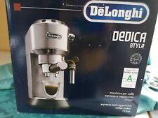 DELONGHI EC 685 M Dedica Siebträgermaschine Espressomaschine Silber