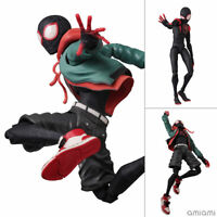 Pre-order Spider-Man: Spider-Birth SV Action Miles Morales / Spider-Man