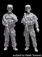 Black Dog 1/35 Modern Australian Army Soldiers w/F88 Austeyr Set (2 Fig.) F35181