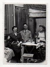 PHOTO ANCIENNE N&B - Picon Verre Groupe Table Boire Boisson - Vers 1950