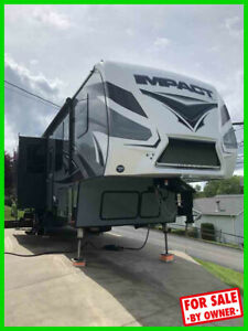 2017 Keystone Impact 361 39' Fifth Wheel Toy Hauler Bath & 1/2 c5411481