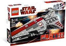 *NEW* Lego Star Wars VENATOR-CLASS REPUBLIC ATTACK CRUISER 8039 *Lightly Dented*