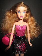 B525-dunkelblonde barbie mattel 2007 negro-camisa de tirantes rosa vestido + zapatos rosa + bolsa