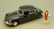 Citroen DS 19 Prestige 1958 with Pope Giovanni XXIII 1:43 Model RIO4171P RIO