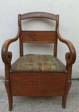 Chaise ancienne percée en bois 20éme siècle