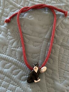 1980s Vintage Flying Colors Hand Painted Ceramic cat and mouse Pendant necklace