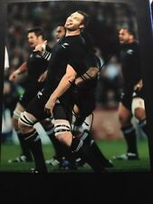 ALI WILLIAMS - NEW ZEALAND RUGBY- ALL BLACKS - LEGEND - SIGNED 10X8 PHOTO