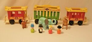 Vintage Fisher-Price Play Family Little People Circus Train #991