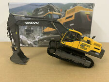 Volvo EC480DL Crawler Excavator Diecast Model 1:50 Scale Metal Tracks New in Box