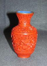 kleine Schnitzlack Vase Rot / Blau