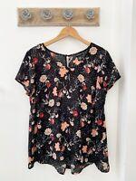 Torrid Women's Black Short Sleeve Sheer Floral Top Size 00 M/L