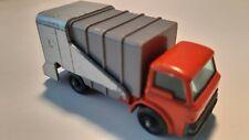 Matchbox Lesney no.7-C2 Ford Refuse Truck 1966 regular wheels orange/red