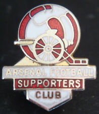ARSENAL FC Vintage SUPPORTER CLUB Badge Brooch pin In gilt 20mm x 23mm