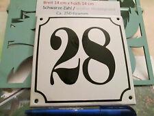 Hausnummer Emaille  Nr. 28 schwarze Zahl auf weißem Hintergrund 14 cm x 14 cm