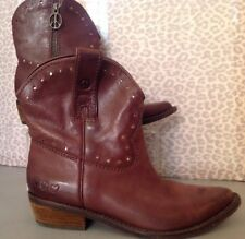 Women's 6 Brown Lucky Brand Cowboy Boots