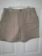 NORTHFACE WOMENS KHAKI SHORTS SIZE MEDIUM