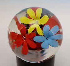Briefbeschwerer Paperweight mit 3 Blüten