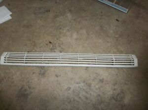 AMANA REFRIGERATOR TOE GRILLE 10474801  FROM MODEL  BX22A2W