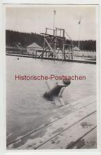 (F6255) Orig. Foto Schwimmbad Finsterbergen, Frau m. Holzbalken im Wasser 1929