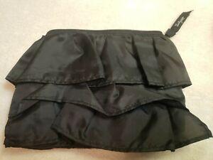 Thirty-One 31 Black Ruffle Jewelry or Make Up bag or formal handbag, NWOT
