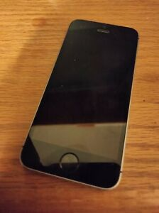 Apple iPhone SE - 16GB - Silver (Unlocked) A1662 (CDMA + GSM)