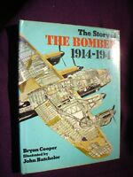 BOOK  MILITARY AIR FORCE STORY OF THE BOMBER 1914-1945 125 PAGES ILLUSTRATED