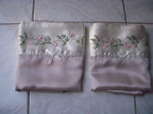 Pillow Cover Case Queen Size Beige with Pink Flowers From Thailand x 2