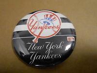 "VINTAGE PINBACK BUTTON #49- 043 - 2 1/4""""  BASEBALL - NY YANKEES"