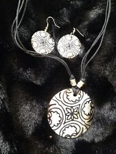 & Dangle Earrings Tribal Art Unique! Handmade Beach Shell Jewelry Set Necklace