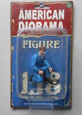 "MECHANIC TONY INFLATE TIRE AMERICAN DIORAMA 1:18 Scale Figurine 3"" Male Figure"