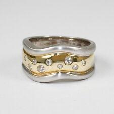 Eleganter Ring mit 9 Brillanten zus. 0,20 Carat, weiss, si; Gewicht 13,5 Gramm