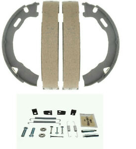 Chevrolet Silverado 2500HD 1999-2010 Parking brake shoe with spring kit