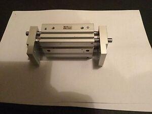 smc pneumatic gripperr mhl2-16d1 brand new