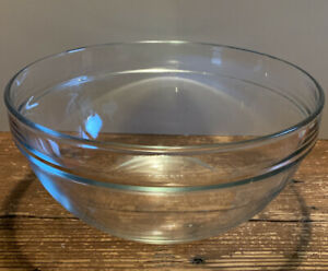 """Tasty brand clear 9"""" mixing bowl"""