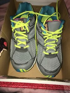 New Women's Size 11 Shoes Fila Athletic Tennis Shoes Gray/multi New