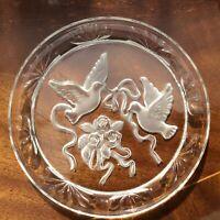 Vintage Glass Christmas Decorative Plate/plaque. ENGRAVED Pair Of DOVES 18 Cm.