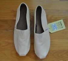 NWT Womens TOMS Natural Canvas Slip On Shoes Size 7