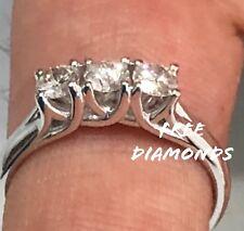 Anello Oro Bianco 18 kt Trilogy Diamanti 0,30 Carati f color vs1 San Valentino