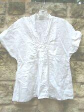 LUNA LUZ Pullover Short Sleeve Blouse S White 100% Linen Smocking V-Neckline EUC