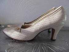 Hill and & Dale Joseph Horne Co Vintage Ivory Leather Pump Heel Shoes 7.5 3A NPU